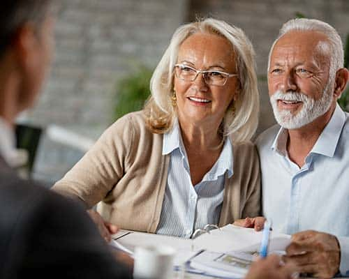 Elderly couple seeking credit reporting services